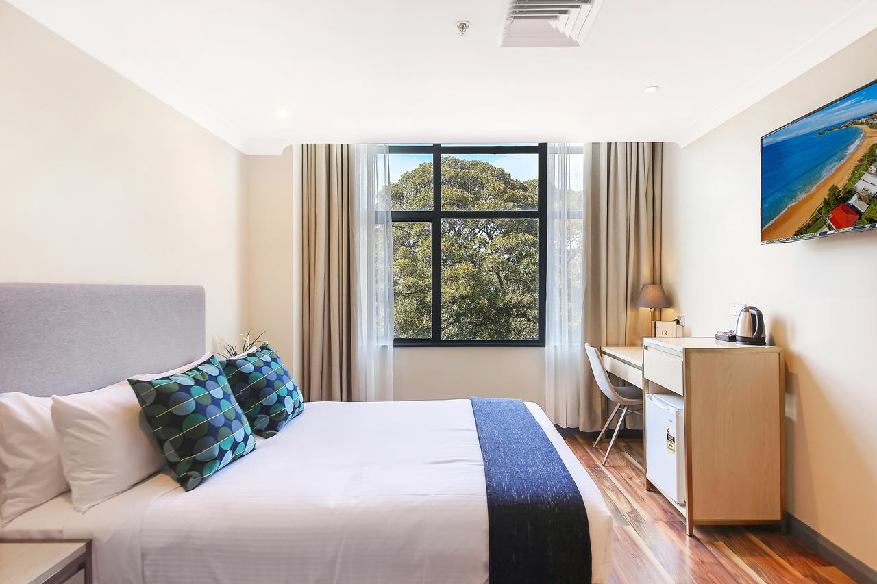 Ryals Hotel - Broadway - Accommodation NSW