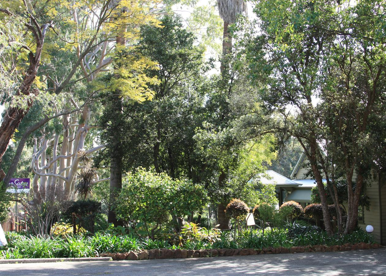 Two sisters Chalets - Accommodation NSW