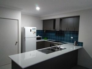 Near Train Station - Accommodation NSW