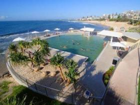 Kings Beach - Beachfront Salt Water Pool - Accommodation NSW