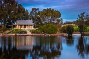 Stonewell Cottages and Vineyards - Accommodation NSW